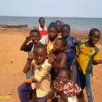 GHANA, NAVEGANDO POR EL VOLTA, KETE-KRACHI