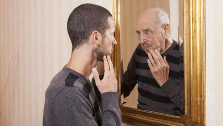 Man-in-the-mirror.jpg.653x0_q80_crop-smart