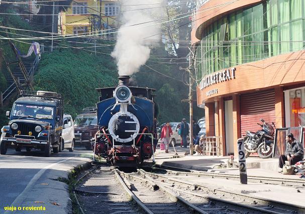 toy tren darjeeling